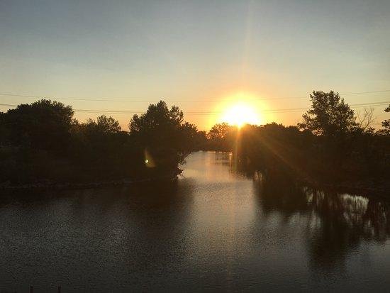 Grand Island, NE: Sunrise over the lake in back. Lovely!