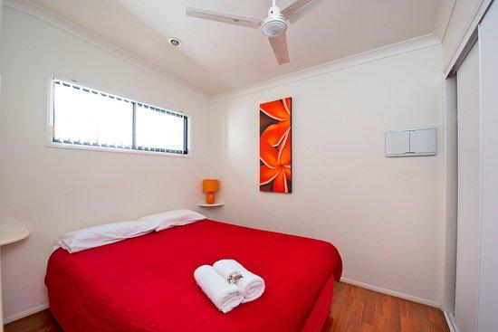 Ballina, Australia: Master bedroom Superior cabin 1.5 bedroom version