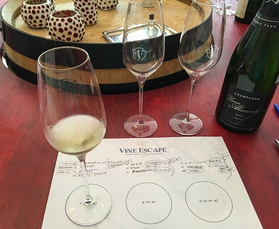 Epernay, Prancis: Champagne Academy education