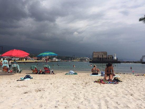 Kamakahonu: on the beach
