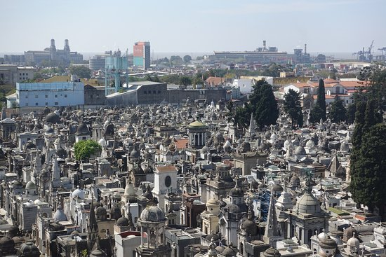 Dazzler Recoleta: View of the cemetery from the hotel room