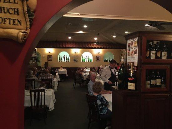 Ariani Restaurant & Lounge: photo2.jpg