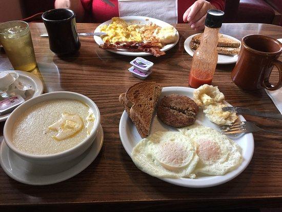 Bush's Restaurant: photo7.jpg