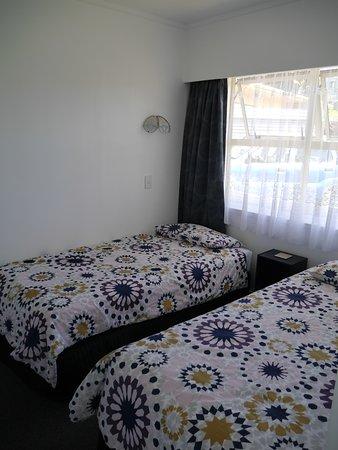 Raglan, นิวซีแลนด์: Unit 4. Pheonix Palm Suite - Bedroom 2