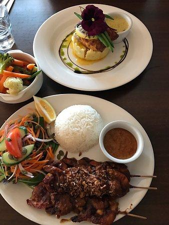 Tuti's Restaurant and Bar: photo0.jpg