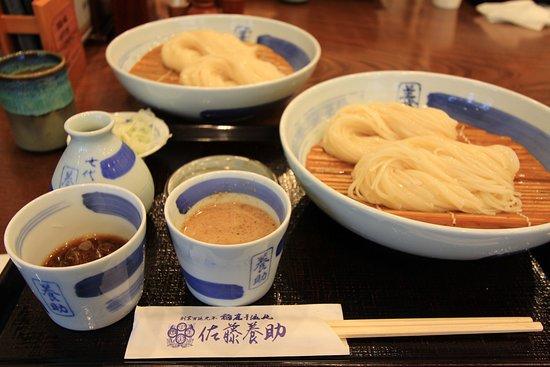 Yuzawa, Japan: 定番の「二味せいろ」。醤油ダレとごまダレで食べられます。