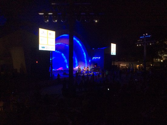 Levitt Shell: Night concert with great sound