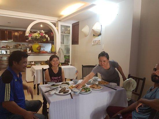 Hoang Thu Homestay: 20161021_134637_large.jpg
