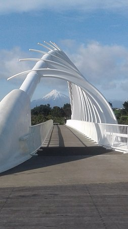 Taranaki Region, New Zealand: Mount Taranaki through the Te Rewa Rewa bridge!