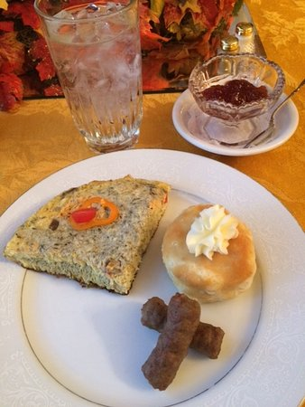 Abilene's Victorian Inn Bed & Breakfast: All home made from scratch, DELICIOUS