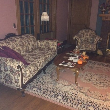 Abilene, KS: sofa and chair in parlour