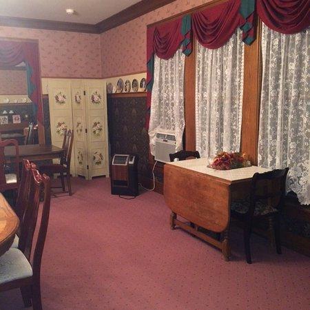 Abilene, KS: dining room ( our table )