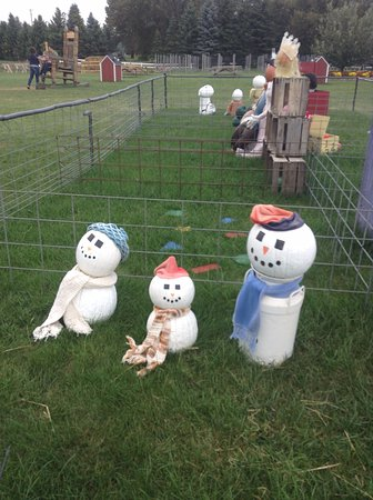 "Richland, MI: ""snow"" men"