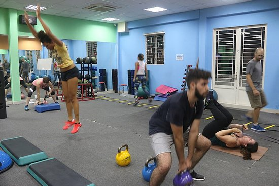 2354912671c37 Body Shape - Gym Thao Dien  evening circuit class really attracts people  after work who