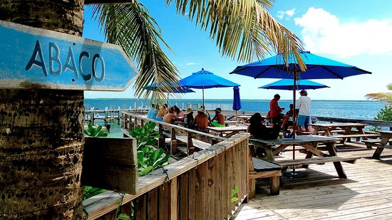 Green Turtle Cay: Tranquil Turtle Beach Bar