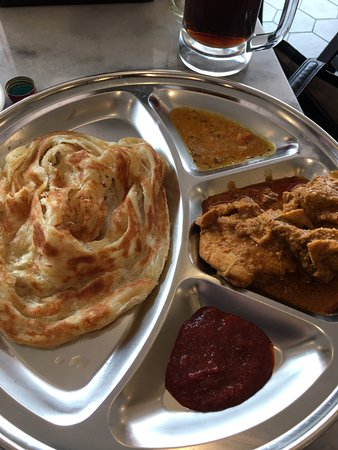 Joondalup, Australia: Papparich - Roti with Curry Chicken