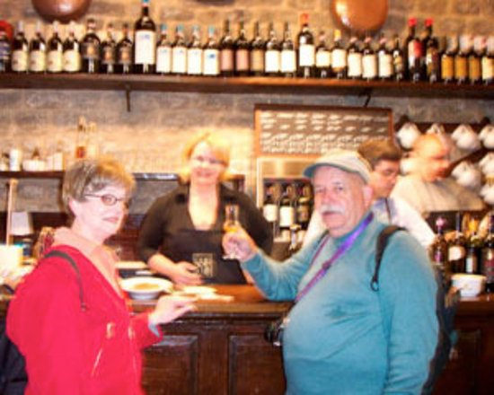 Montalcino, Italia: Taste the Brunello. Buy the Brunello