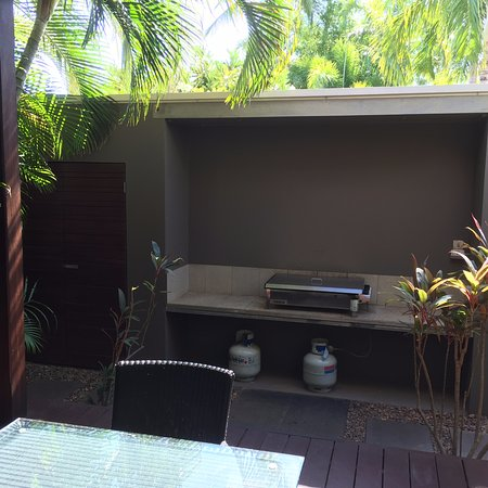 The Pearle of Cable Beach: Bbq area