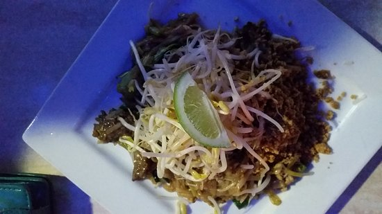 Coolum Thai Spice: Sea food special and beef pad thai, very nice