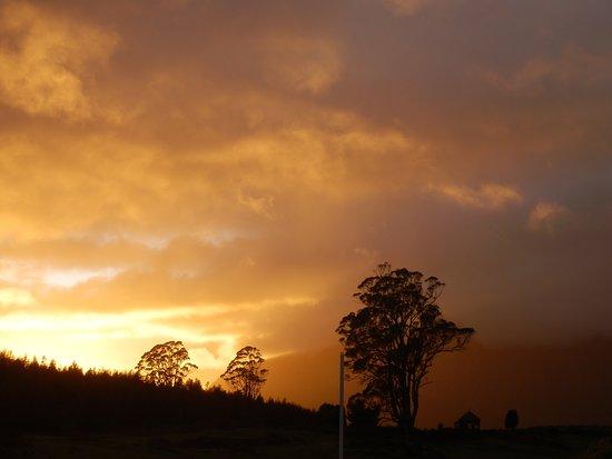 Promised Land, Austrália: Sunrise