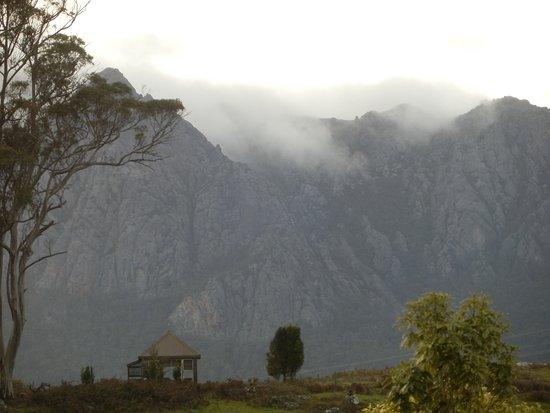 Promised Land, Austrália: Zoom in on Mt Roland (I think)