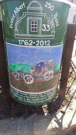 Prince Albert, South Africa: Dirt Bin outside