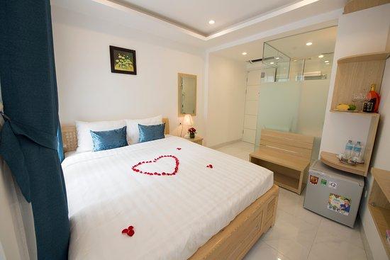 Hanoi Holiday Center Hotel