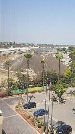 Norwalk, Califórnia: LOUD Interstate Next to Hotel