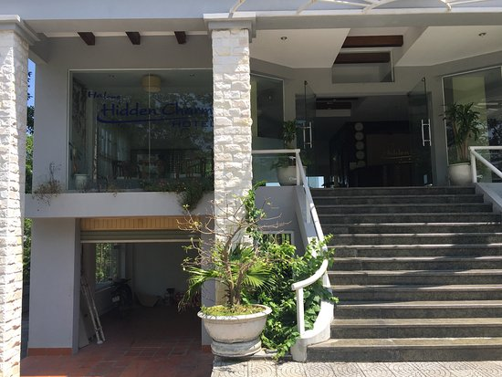 Halong Hidden Charm: This hotel is with in 1km from Halong bay water and has great views of the water but is not a we