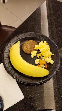Drury Inn & Suites Kansas City Shawnee Mission: Wife eggs, etc