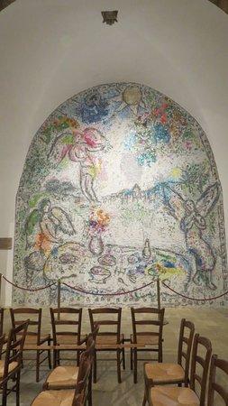 Chapelle Sainte Roseline: Mosaïque de Marc Chagall