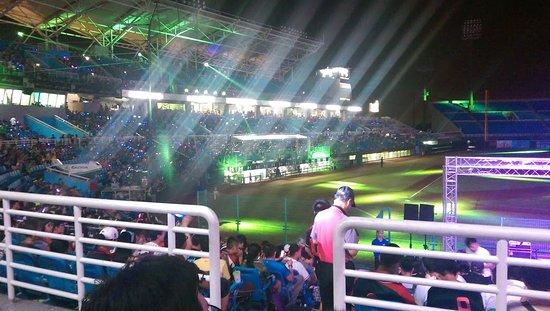 Таоюан, Тайвань: 夜晚的球場