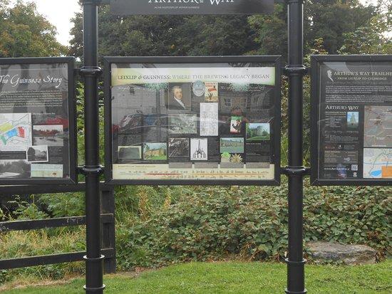 Leixlip, Irlande : Guinness story near river outside car park