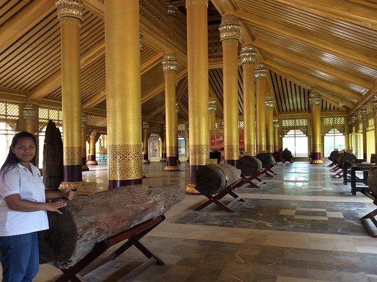 Bago, Myanmar: Inside