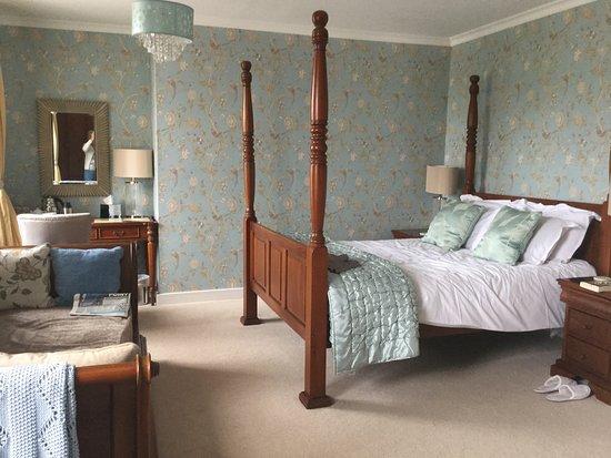 The Notley Arms Inn: photo1.jpg
