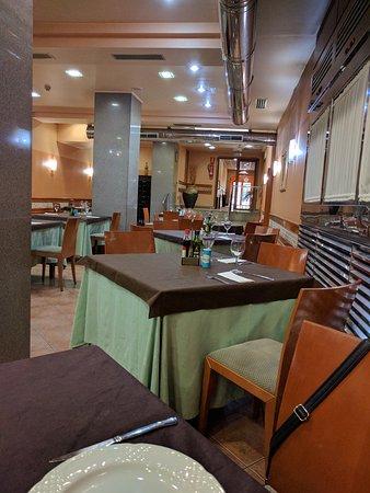 Restaurante asador virgen del camino en pontevedra con - Cocinas en pontevedra ...