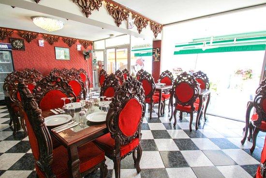 Tresserve, ฝรั่งเศส: photo interieur du restaurant taj mahal