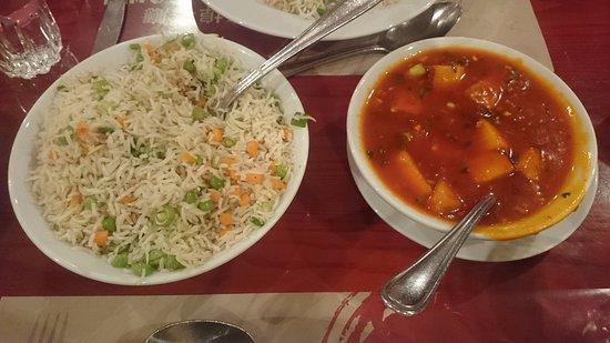 China Town : Vegetable Fried Rice & Paneer Schezwan