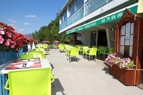 Tresserve, ฝรั่งเศส: Terrasse ouverte en été