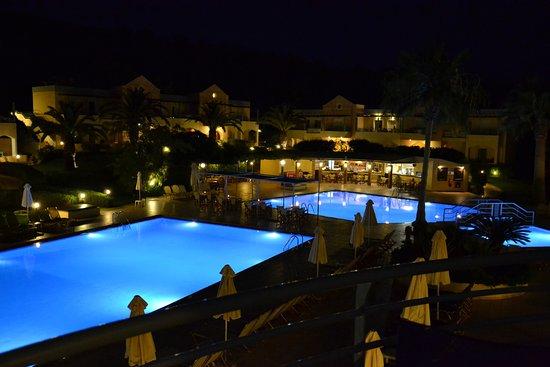 Triton Apartments: Kvällsutsikt från balkongen
