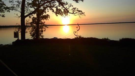Milton, WI: Buckhorn sunset