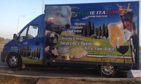 Torrita di Siena, Italie : Il Food Truck di DELIZIE ITALIANE from TUSCANY