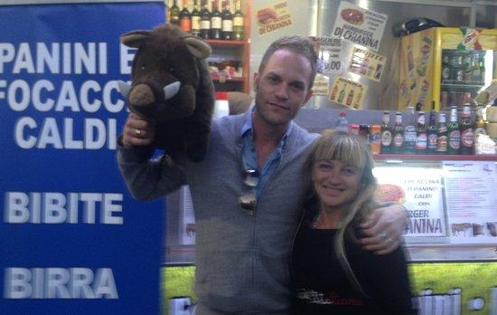 Torrita di Siena, Italie : Lo CHEF RUGIADI presso Il Food Truck di DELIZIE ITALIANE from TUSCANY