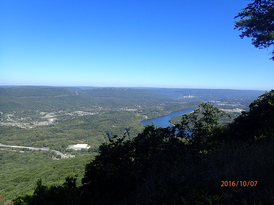 View of the Tennessee River from Point Park on Lookout Mountain