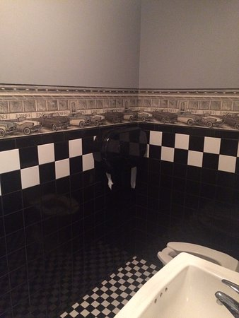 Lowell, MA: Cutest cleanest bathroom