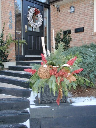 Ancaster, Kanada: Front Entry