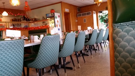 Mendota, Илинойс: Counter Seating.