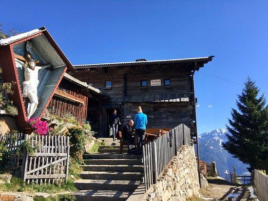 Naturno, إيطاليا: Dickhof - Eingangsbereich