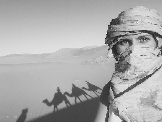 Hassilabied, Fas: Noche magica en el desierto