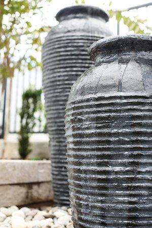 Neroli Spa & Beauty Lounge : Fountain in Zen Garden